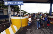 Mexico receives the advanced caravan of Honduran migrants, Hidalgo - 19 Oct 2018